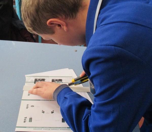 Підготовка учасників до виготовленню друкованих плат за допомогою перекису водню