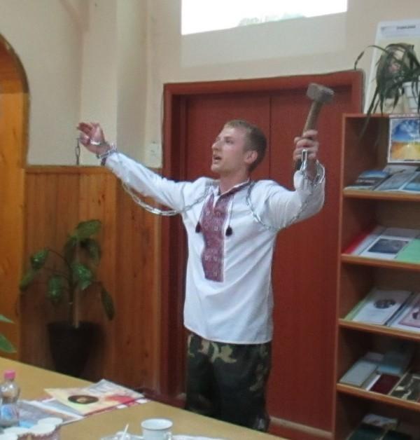 Зінько Владислав, учень групи КВП-31, в ролі Каменяра